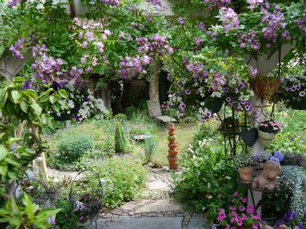 júniusi kert