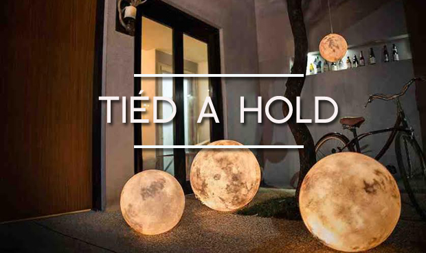 luna hold-lámpa