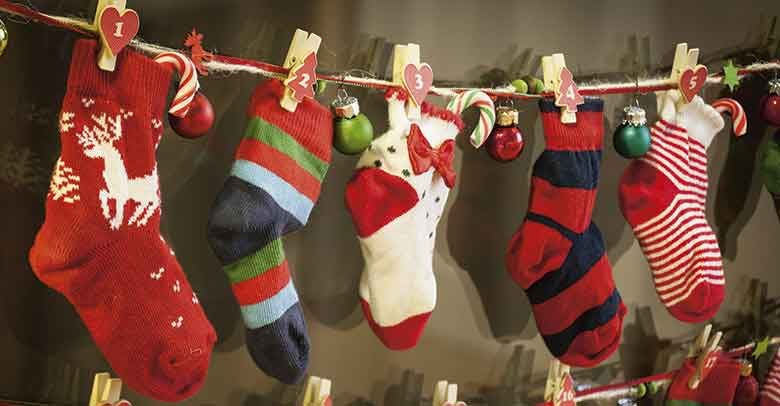 diy-adventi-naptar-felemas-zoknikbol