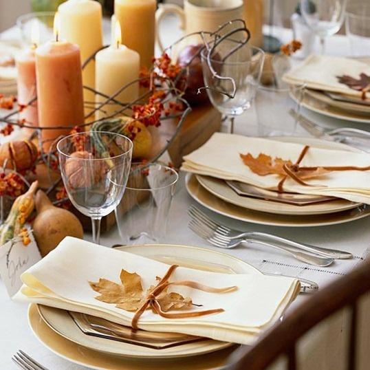 oszi-asztali-dekoracio-falevelbol