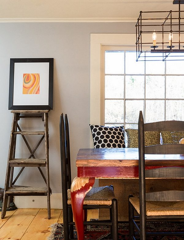 Farmhouse-styled-dining-room-with-a-minimal-ladder-display