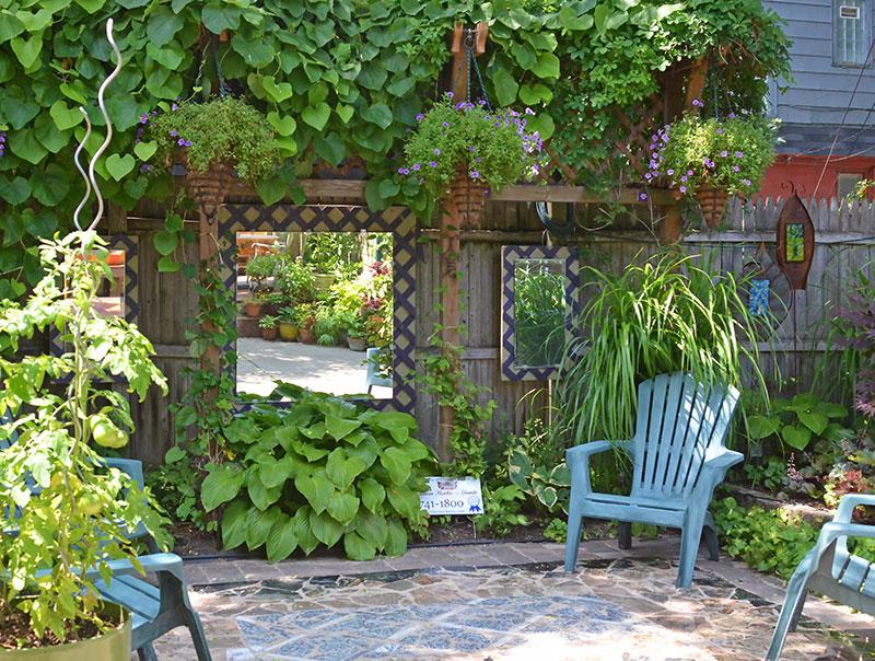 Kerttunning tükörrel avagy hogyan tűnjön tágasabbnak a kerted?