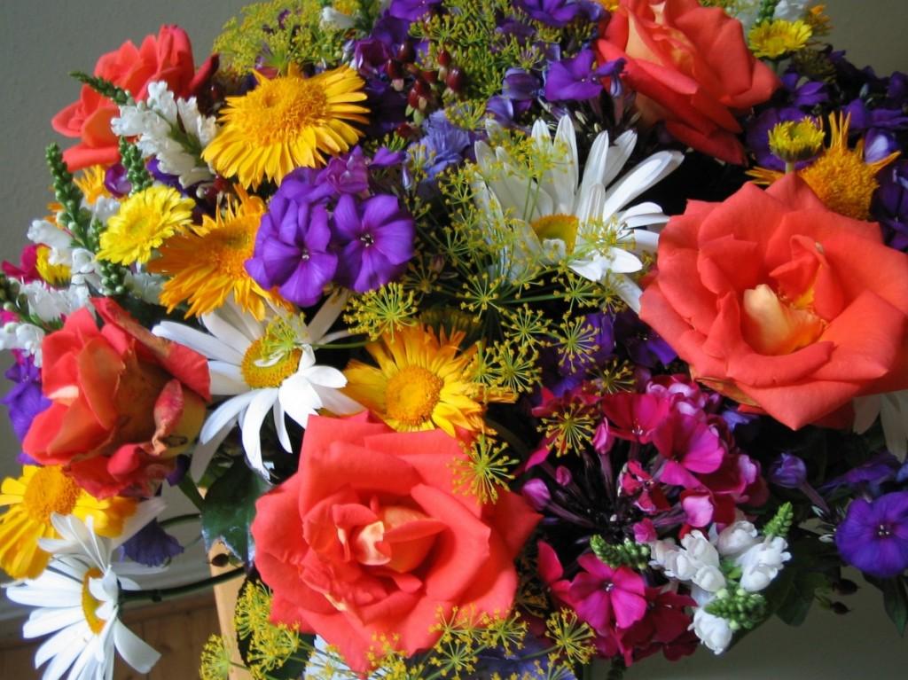 Házi készítésű szuper-táp vágott virágokhoz - videó