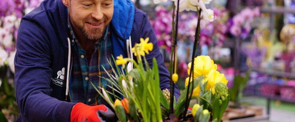 tavaszi hagymás virágkosár