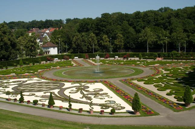 Ludwigsburg-kastély kertje