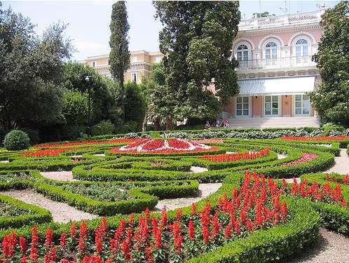Villa Angiolina kertje